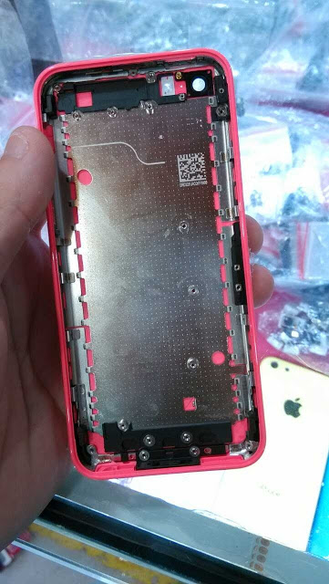 iPhone Low-Cost Rosa - Back